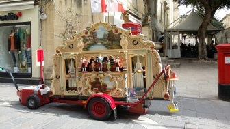 Hurdy-Gurdy in Valletta, Malta