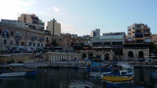 Spinola Bay - St. Julian's