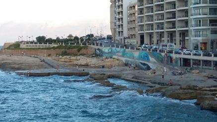 Beach-Wall in Sliema