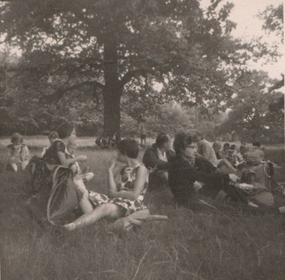 1962 - On the way to the youth hostel we had to rest, more than once.