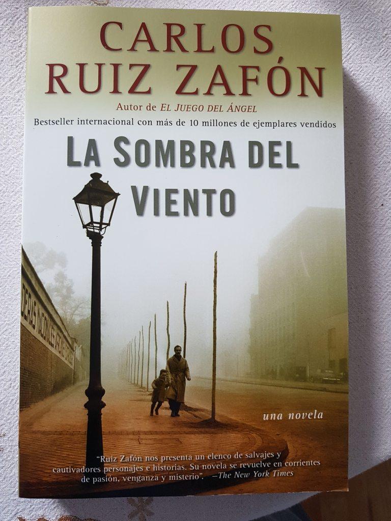 Book: La Sombra Del Viento - Carlos Ruiy Zafón